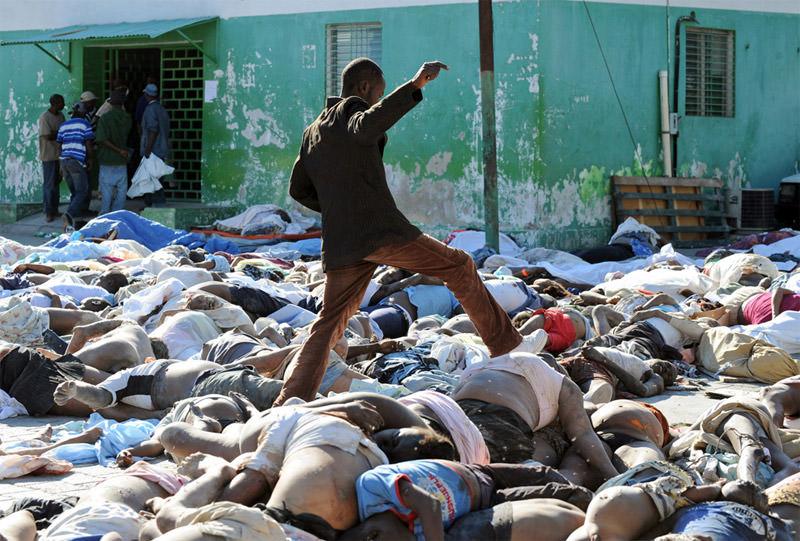 Ofiary trzęsienia ziemi na Haiti