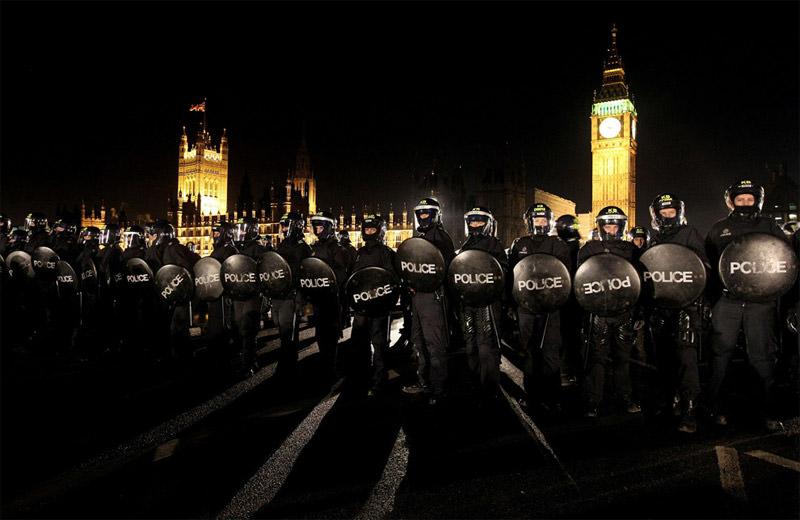 Londyńska policja podczas starć ze studentami