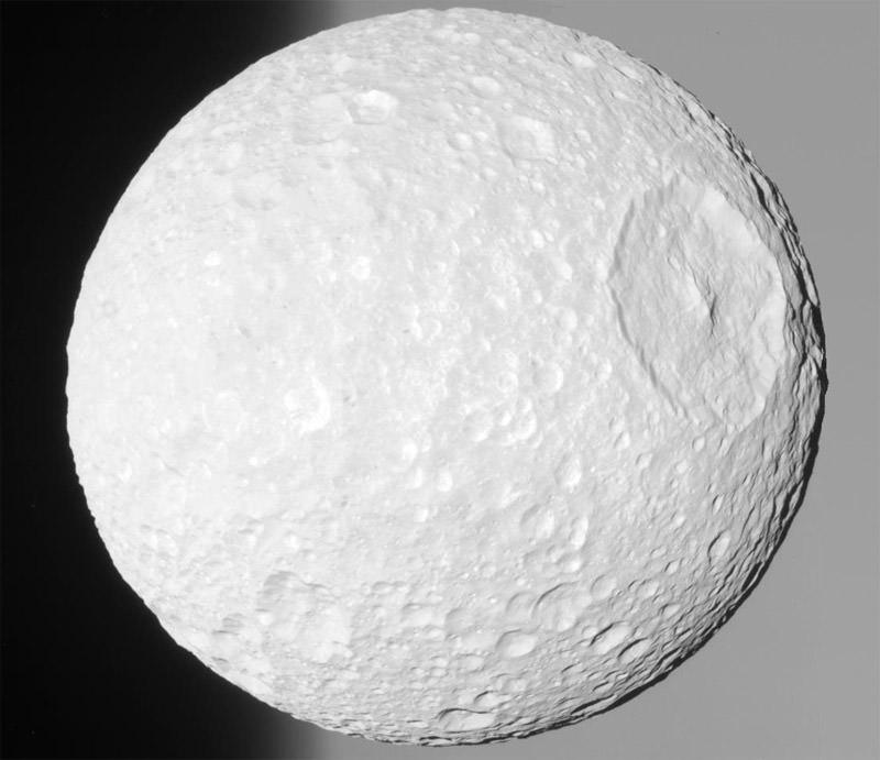 księżyc Saturna - Mimas