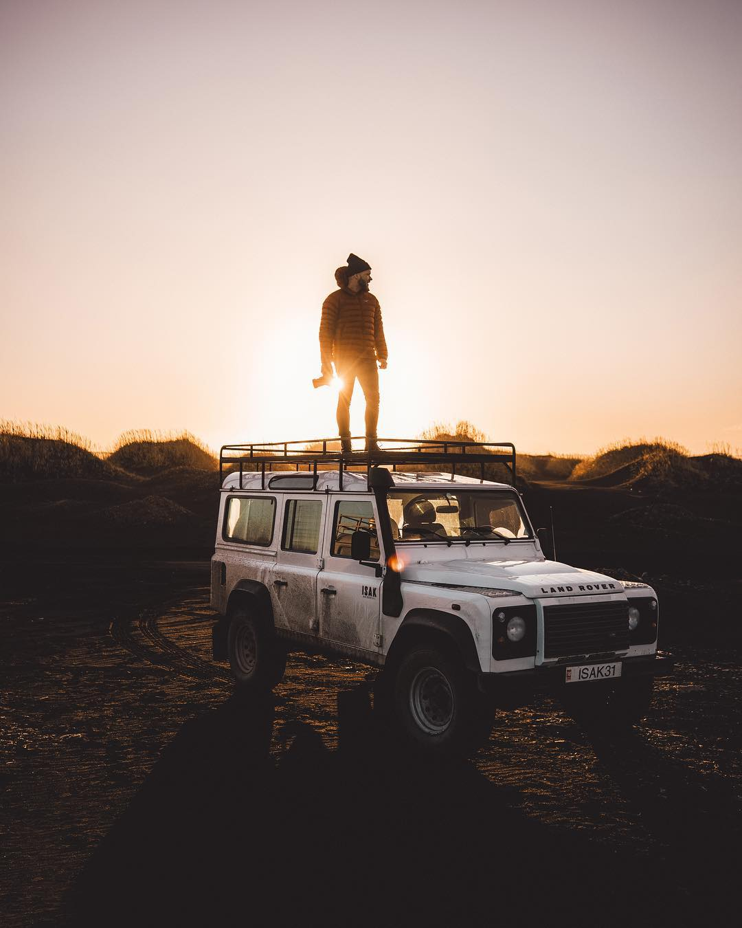 Peter McKinnon na range rover