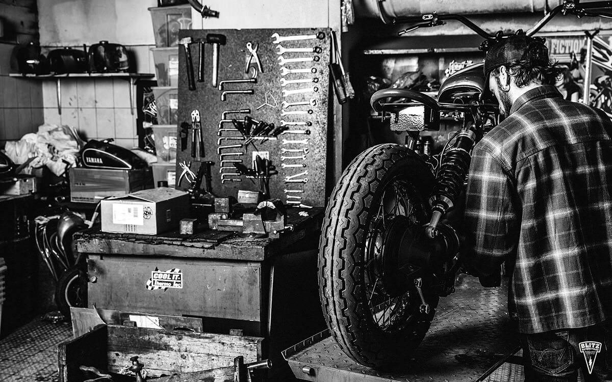 custommotorcyclegarage11