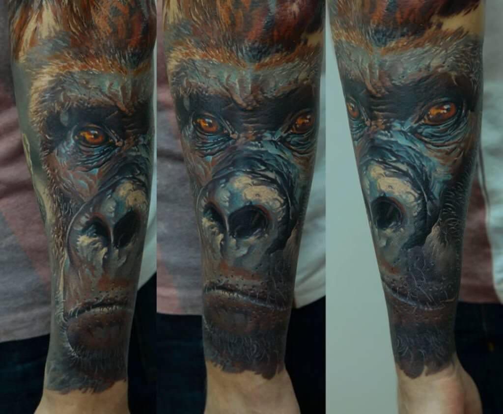 goryl autor tatuażu: Dmitriy Samohin