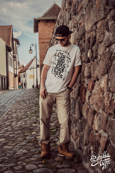 gorillatype-koszulki-kaligraficzne-2