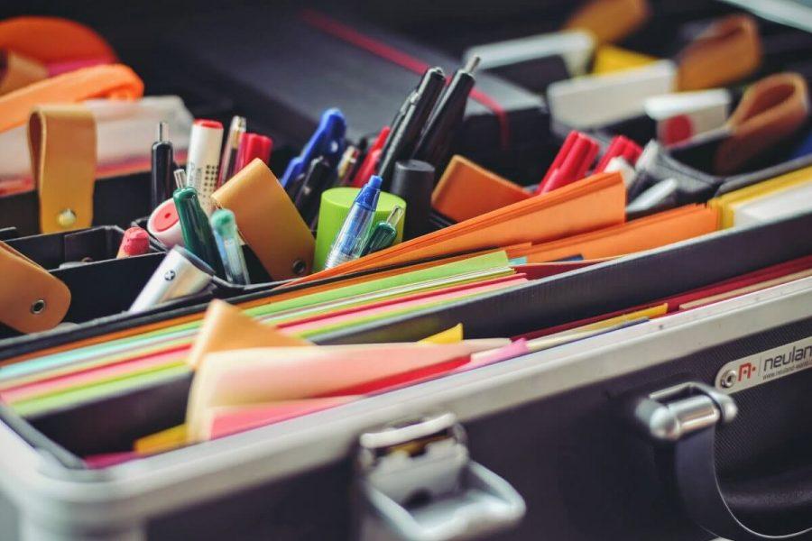 narzędzia i przybory do kaligrafii i liternictwa