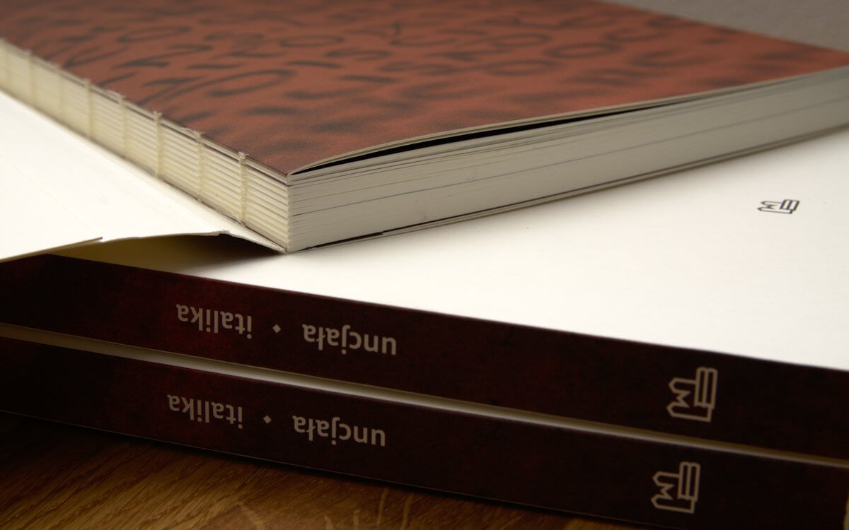 Szwajcarska broszura - oprawa książki Piękna litera